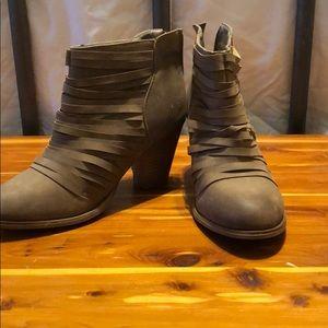 Brown ankle booties! Cute detail!